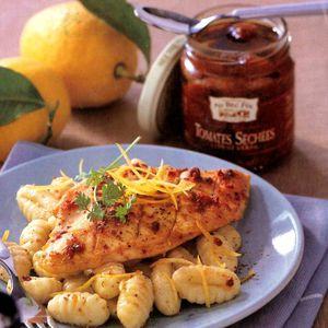 Escalopes de poulet au citron et tomates confites