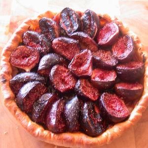 Tourte aux figues noires et jambon du pays, et sa crème à la Truffe Blanche d'été