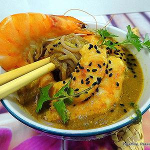 Soupe de Langoustines avec des crevettes roses et des graines de nigelle